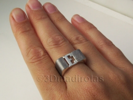 Personalized silver ring. Capital letter.