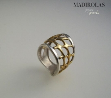 Contemporary design. Silver & Gold ring.